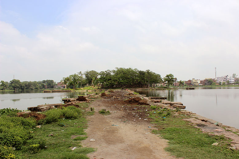 View of the tomb from the periphery of the lake.